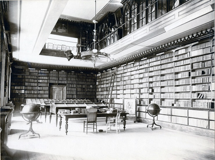 The library before 1927 photo 1